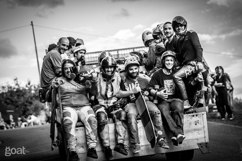 riders en el camión remonte durante freeride ibardin 2014