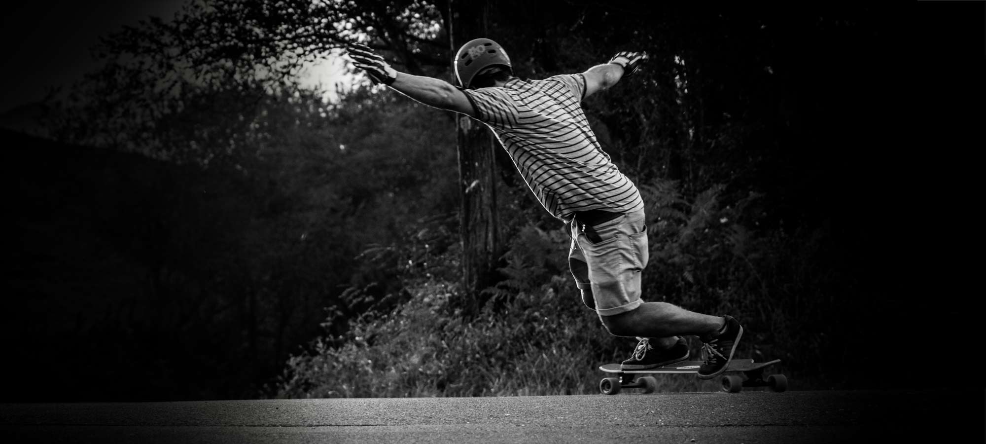 borja allúe rider patinando la tabla montada cruising longboard bamboo elude goatlongboards