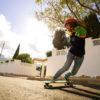 cristina verdú patinando freeride longboard bamboo thor hammer green montada