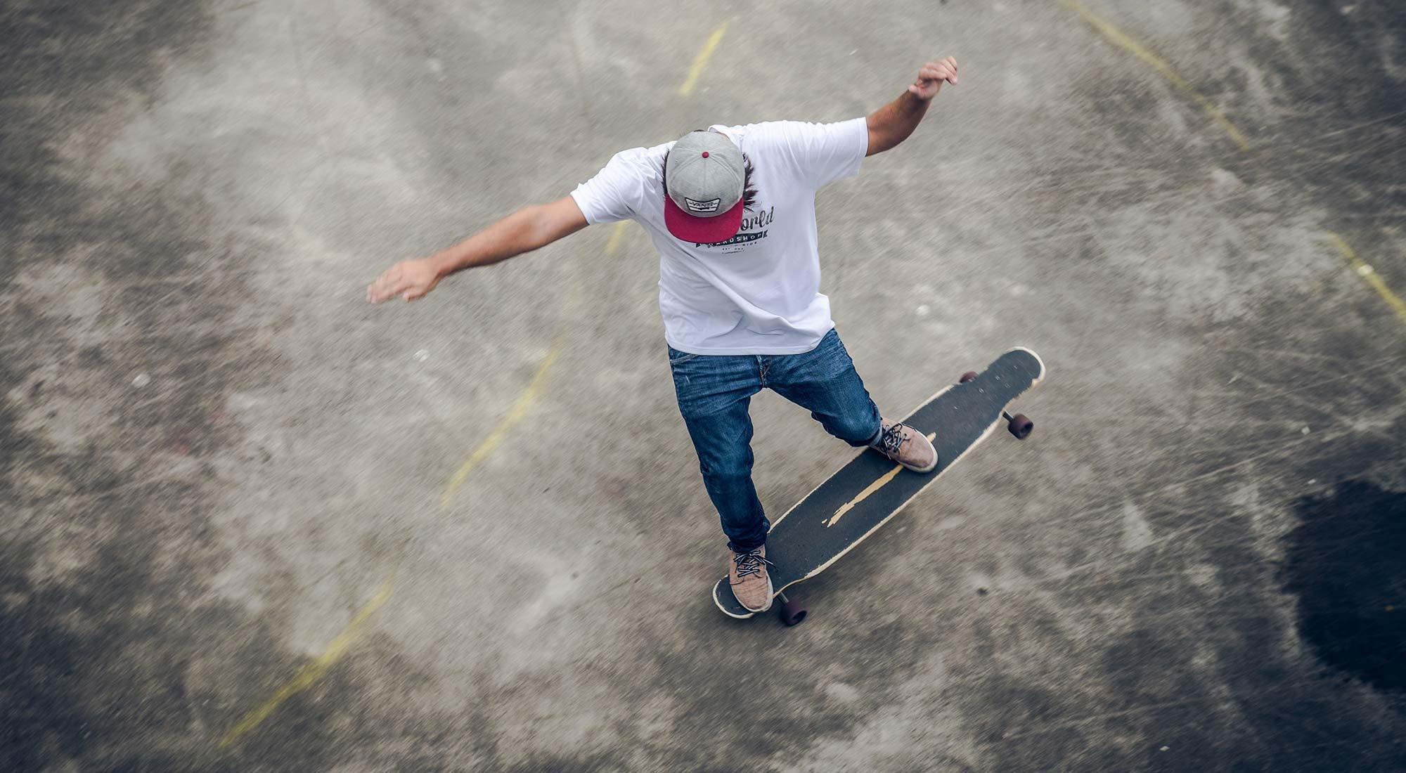 rider patinando dancing longboard bamboo uzume