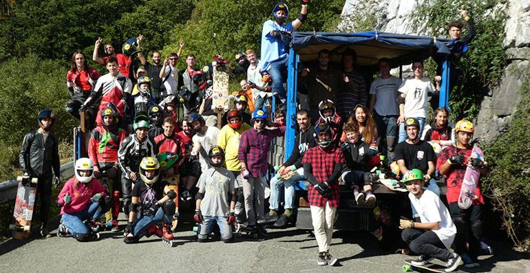 foto de grupo riders participantes ibardin longboard fest 2017